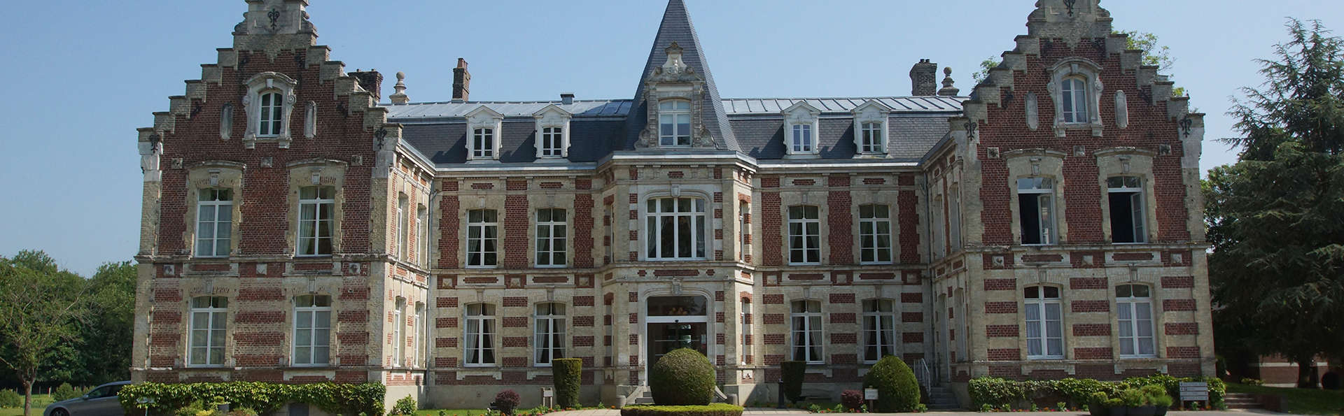 Najeti Hôtel Château Tilques  - EDIT_NEW_Front2.jpg