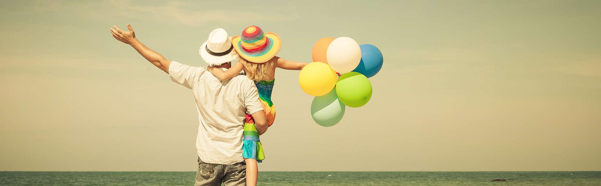 Découvrez Cala de Mijas en famille avec un enfant gratuit