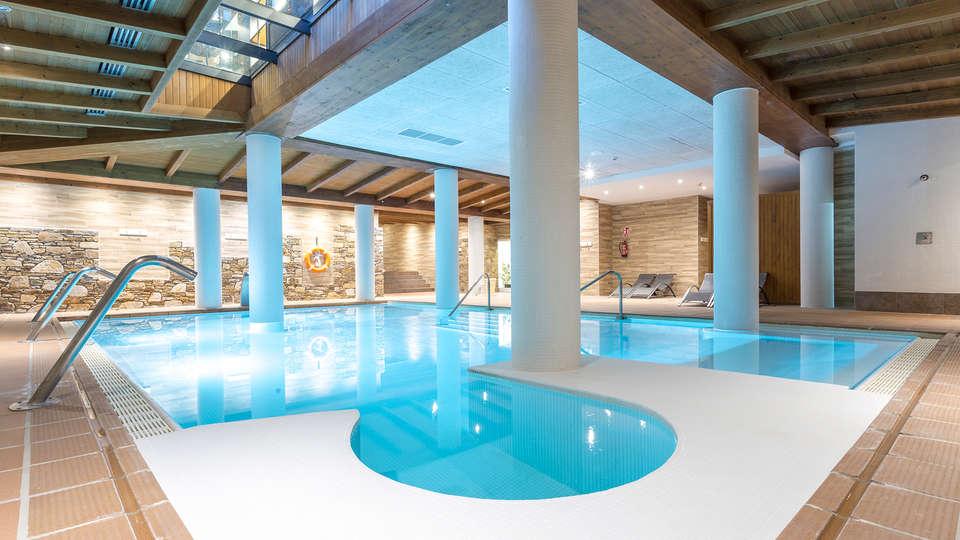 Hotel Roc Meler - Edit_Pool_-_copia.jpg