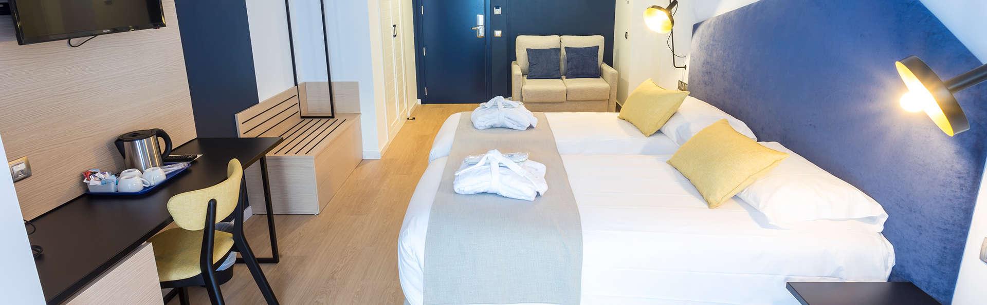 Hotel Roc Meler - Edit_TripleSuperior_-_copia.jpg