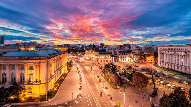 Noche en el corazón de Bucarest: descubre la capital rumana