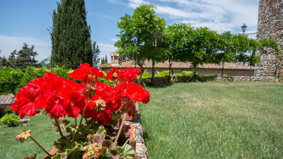 Castel Pietraio - Edit_Garden.jpg