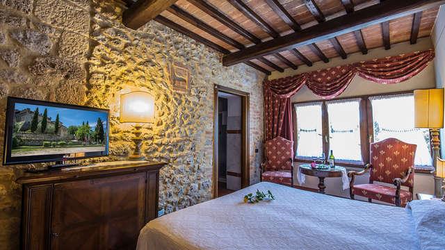 Fabulosa noche en un castillo toscano y en habitación Superior