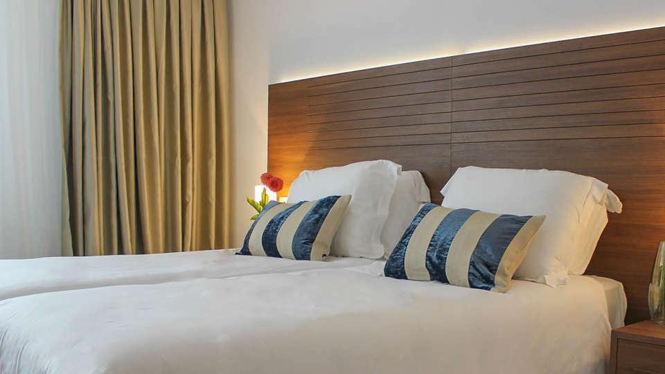 A-Hotel Oosterhout - EDIT_NEW_Room3.jpg