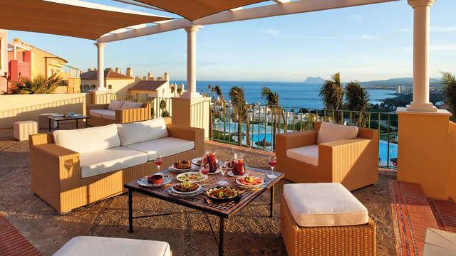 Romantisme à Estepona avec dîner dans un resort