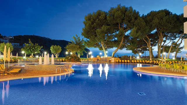 Escapade dans un hôtel 4* avec petit-déjeuner inclus au Camp de Mar, Majorque