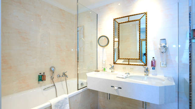 Stanhope Hotel Brussels by Thon Hotels - Bathroom