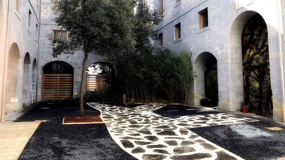 Hotel Balneario Orduña Plaza - Edit_Entrance2.jpg