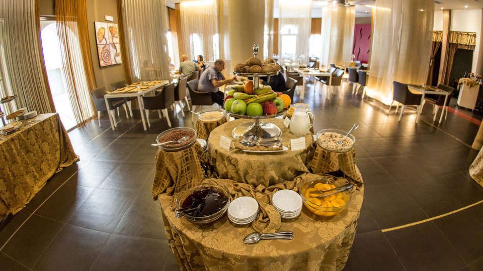 Visir Resort & Spa - EDIT_NEW_Buffet.jpg