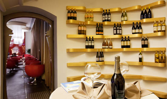 Camera Da Letto Romantica Con Candele : Weekend romantico mazara del vallo con cena a lume di candele