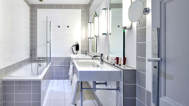 Hotel Spa Vacances Bleues Le Splendid - NEW BATHROOM