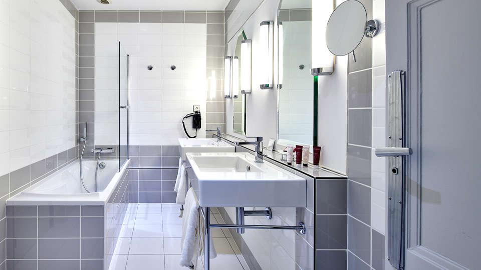 Hotel & Spa Vacances Bleues Le Splendid - EDIT_NEW_BATHROOM2.jpg
