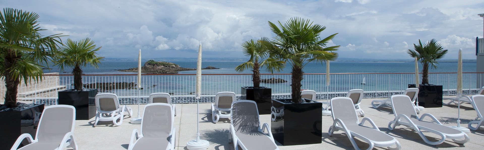 Repos absolu au bord de la mer sur la côte bretonne