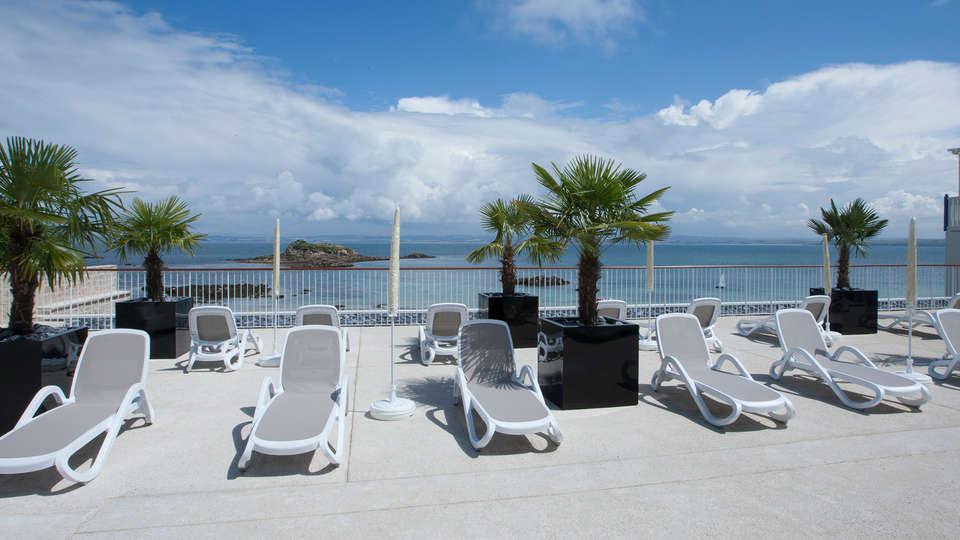 Pierre et Vacances - Résidence Le Coteau et la Mer - Edit_Terrace2.jpg
