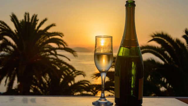 Sol y las mejores vistas en Almuñecar, con desayuno y cóctel de bienvenida