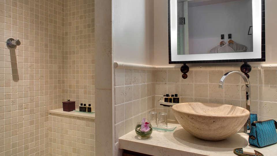 Hôtel Tiara Yaktsa - EDIT_NEW_Bathroom.jpg