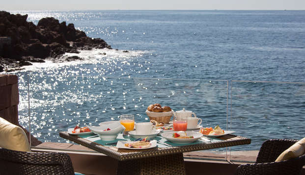 Tiara Miramar Beach Hotel Spa - NEW Terrace
