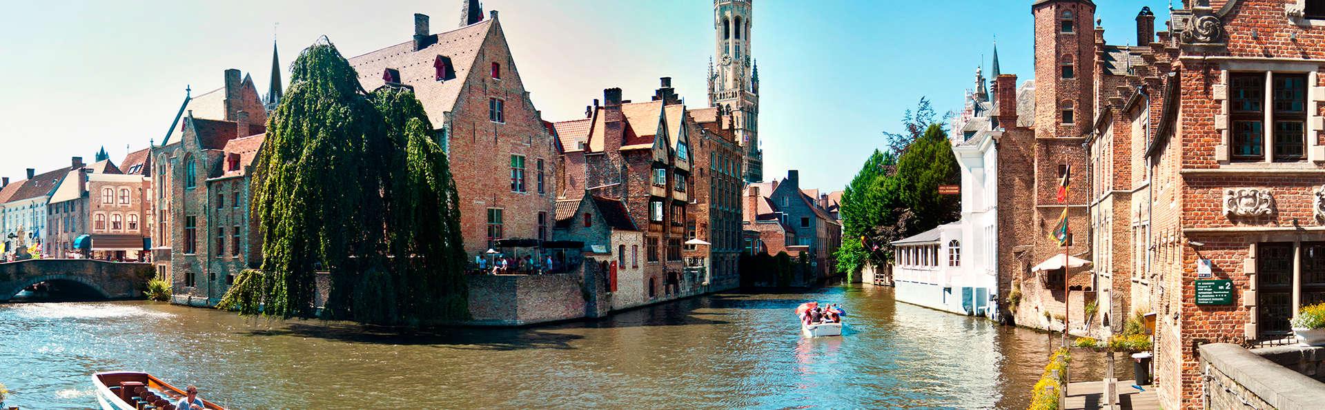 Découvrez Bruges, la Venice du Nord en bateau sur les canaux