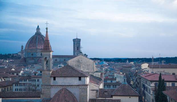 Alójate en el corazón de Florencia con vistas a la ciudad