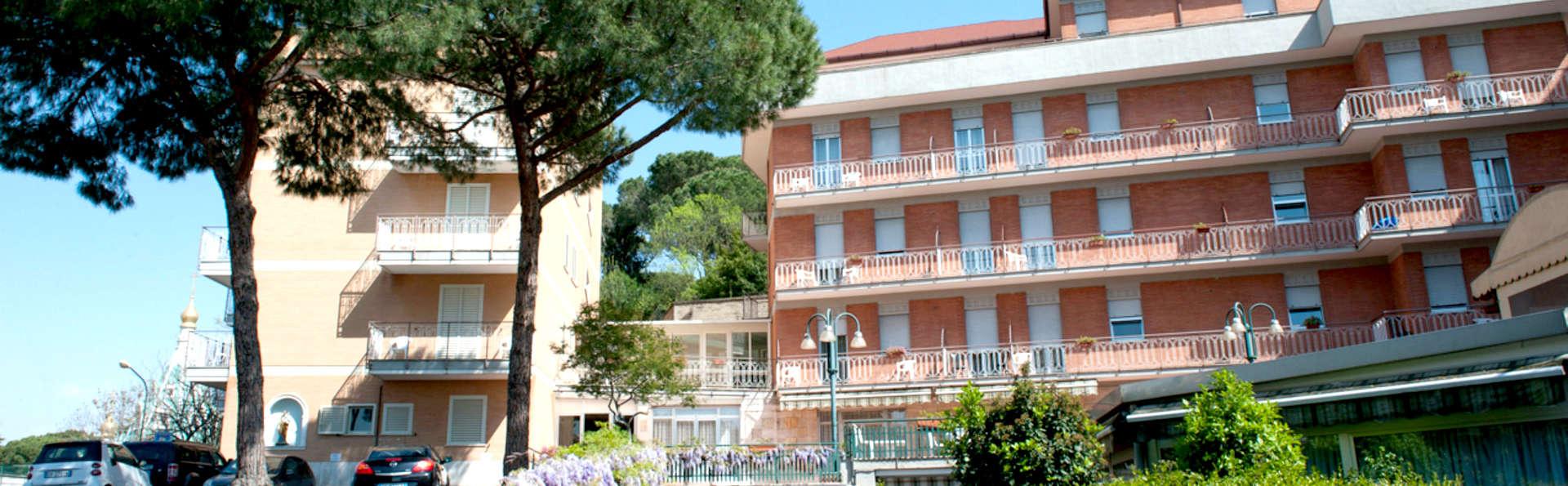 Hotel Casa Tra Noi - Edit_Frotn.jpg