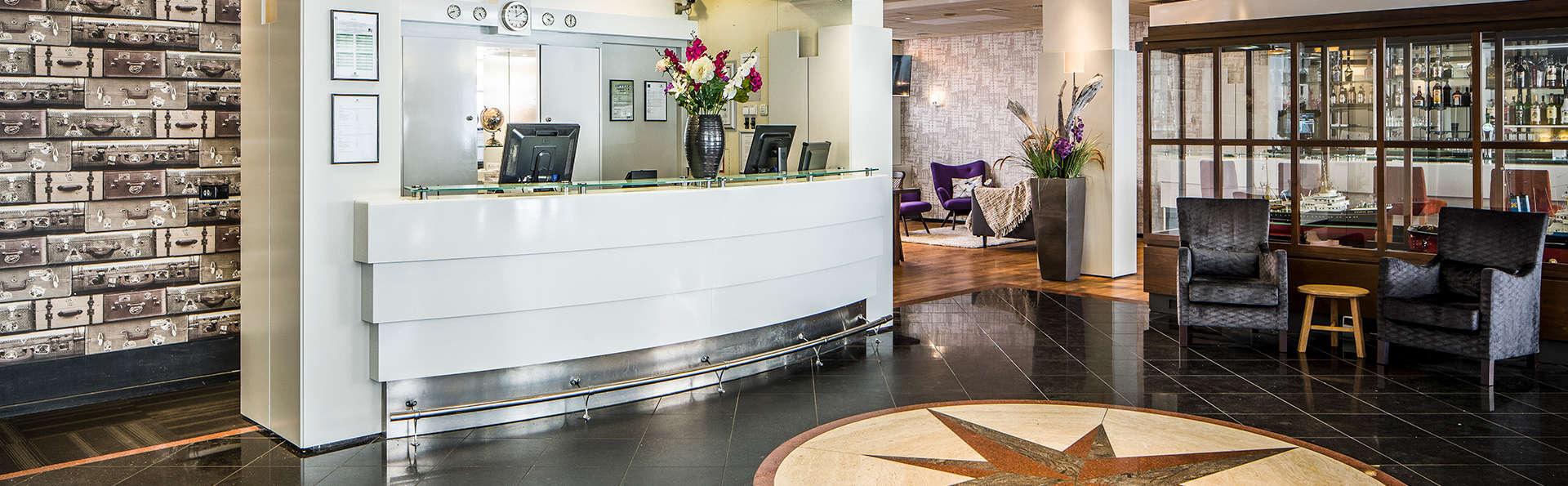 Savoy Hotel Rotterdam - Edit_Reception2.jpg