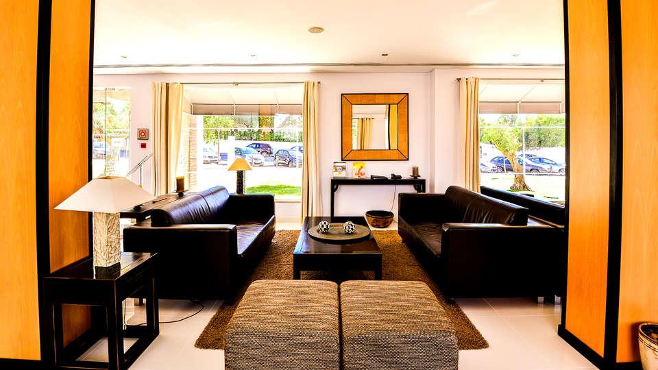 Hotel Vila Galé Praia (Adults Only) - EDIT_NEW_LOUNGE2.jpg