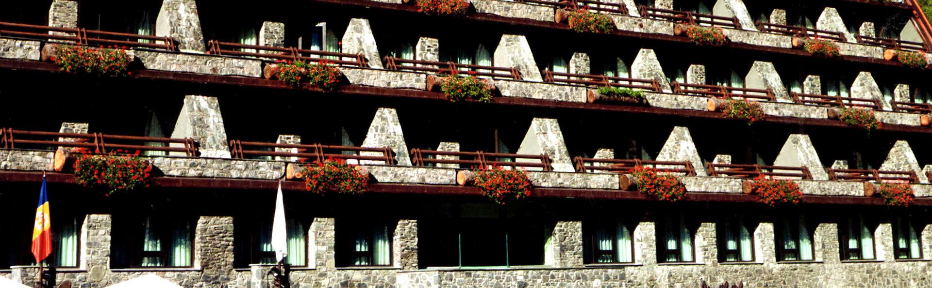 Hotel Patagònia Atiram - Edit_Front.jpg