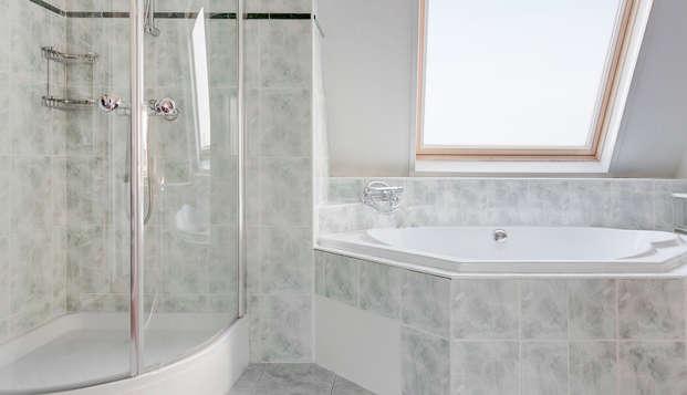 Fletcher Stadshotel Den Haag Former Hampshire Hotel - Meerdervoort - BathroomJunior