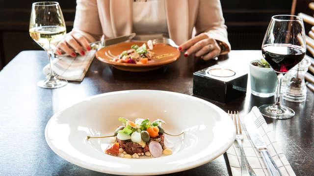 Knijp er tussen uit in met historische Emmen met een diner (vanaf 2 nachten)