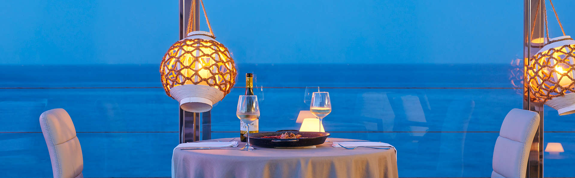 Escapade romantique au bord de la mer avec dîner aux chandelles à Guardamar