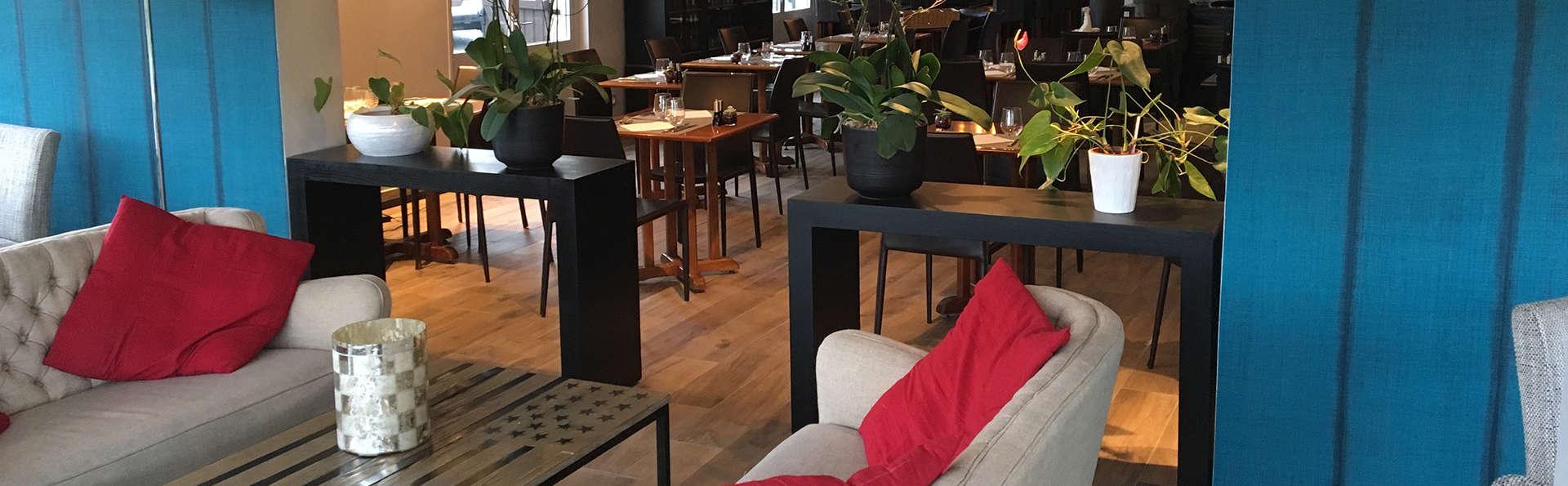 Comfort Hôtel Orly Morangis - Edit_Lobby.jpg