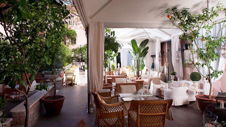 Hotel Metropole Venice - Edit_terrace3.jpg