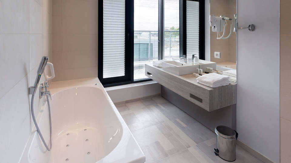 Van der Valk Hotel Liege - EDIT_NEW_bath.jpg