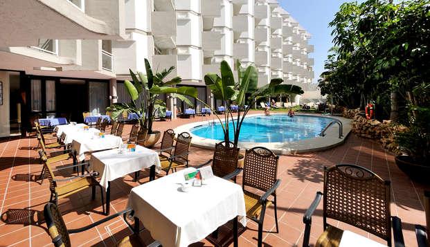Escapada en Hotel 4* junto a la playa de La Carihuela, Torremolinos