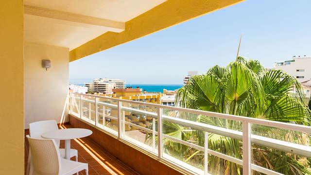 Sol & Playa: escapada con desayuno y piscina en Hotel 4* de Torremolinos, Málaga