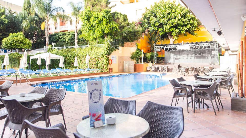 Roc Flamingo (Hotel LGBTQI+ Recommended) - Edit_Terrace3.jpg
