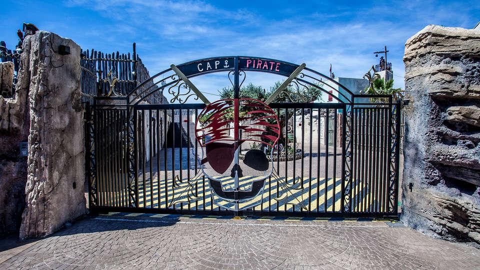 Hôtel Cap Pirate  - EDIT_NEW_FRONT.jpg