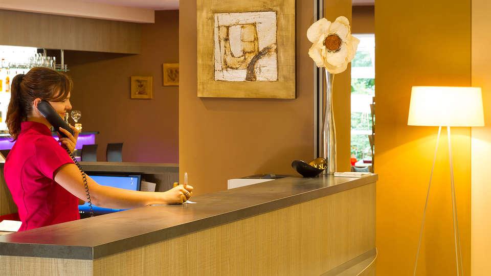 Hôtel Verte Vallée - EDIT_NEW_Reception.jpg