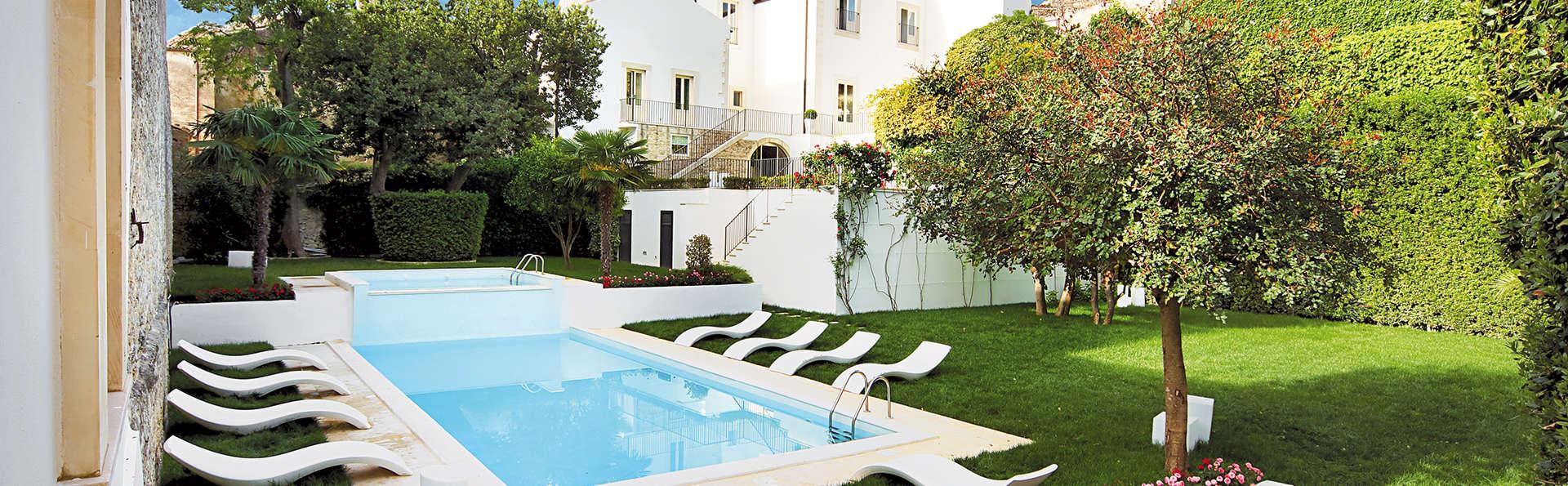Villa Del Lauro - Edit_Pool.jpg