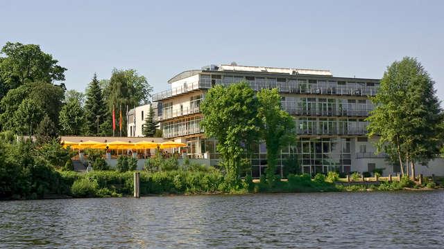 Heerlijk vertoeven aan de oevers van het meer in Potsdam