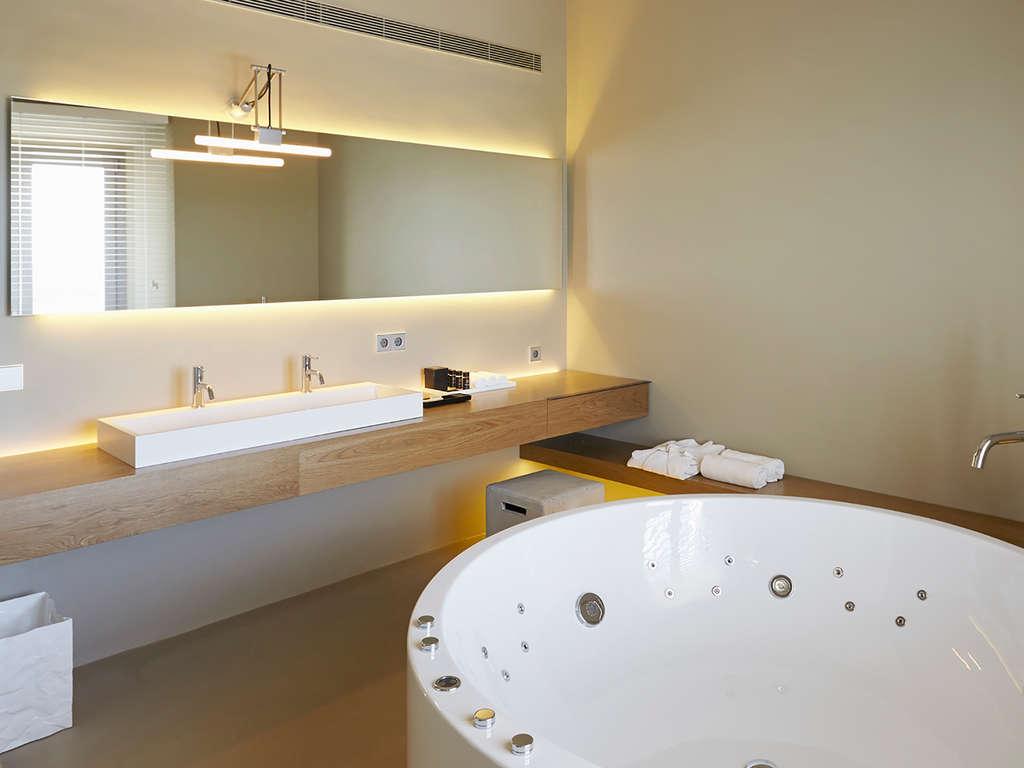 Séjour Vilajuiga - Spécial luxe à Costa brava: nuit en suite et relax en privé  - 4*