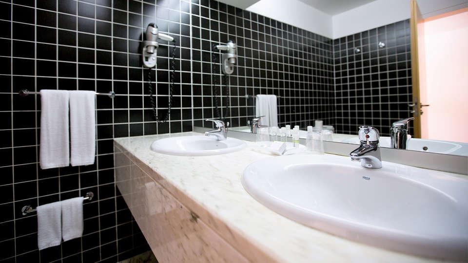 Monte Prado Hotel & Spa - EDIT_NEW_BATHROOM.jpg