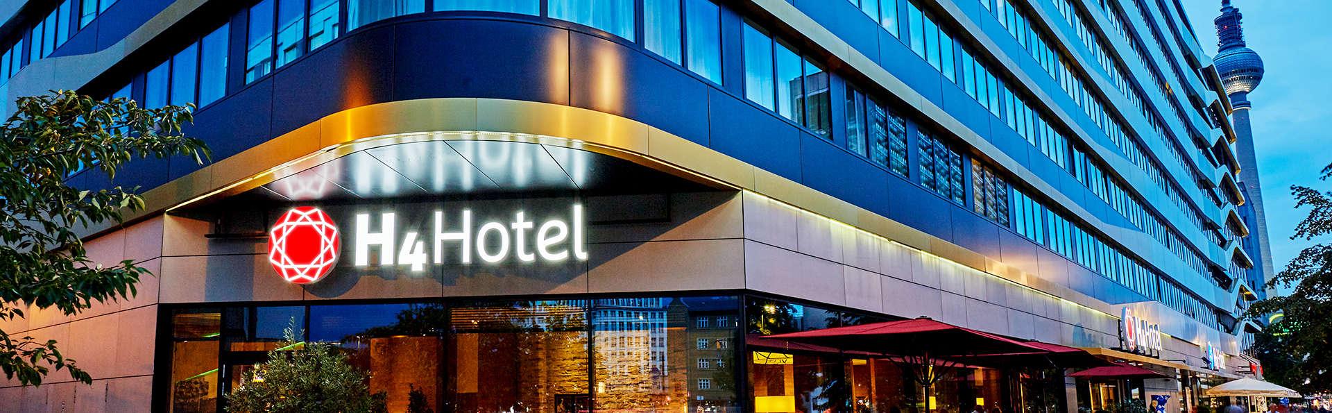 H4 Hotel Berlin Alexanderplatz - Edit_Front5.jpg