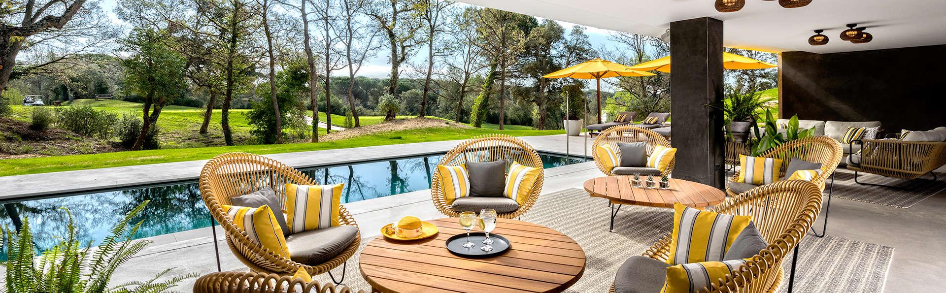 Excusif: Chambre avec vue sur un grand terrain de golf et Vermouth