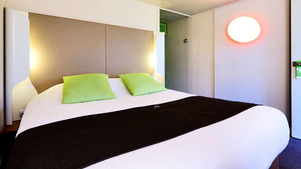 Campanile Saint-Quentin - Edit_Room2.jpg
