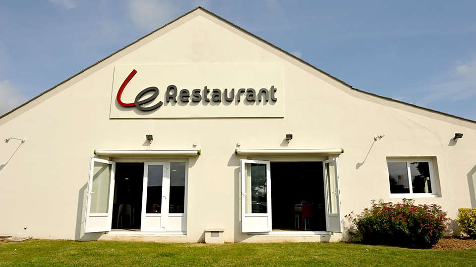 Campanile Saint-Quentin - EDIT_NEW_FrontRest.jpg