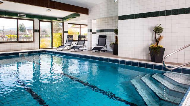 1 Accès à la piscine intérieure