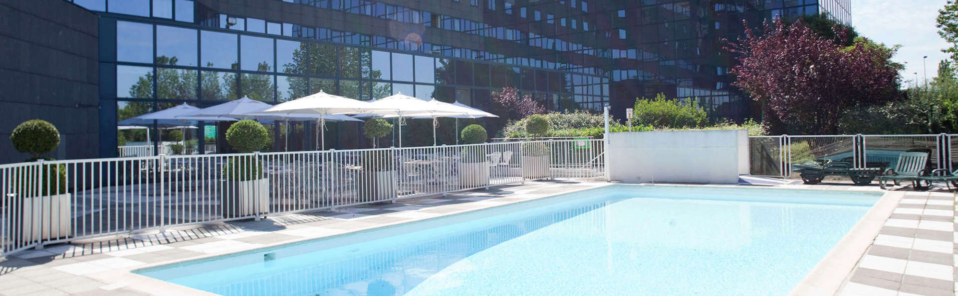 Novotel Marne La Vallée Noisy Le Grand - EDIT_NEW_Pool.jpg