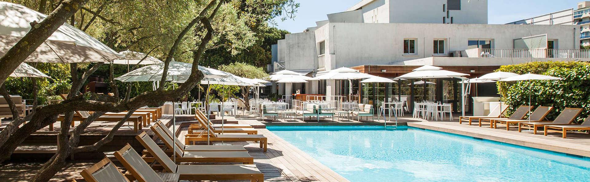 Le Prose Hotel - Edit_Pool2.jpg
