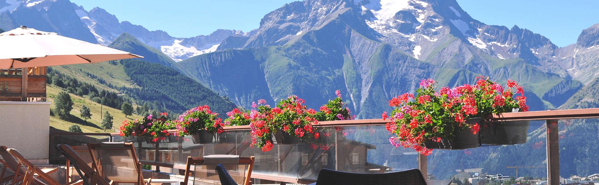 Escapade au cœur des Alpes avec vue imprenable sur les montagnes